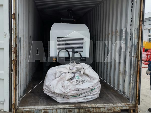 Loading Concrete Pump Trailer